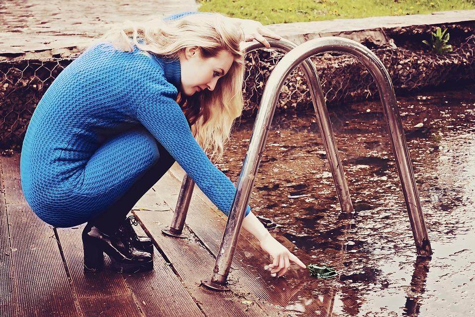 10 outils pour nettoyer mon bassin