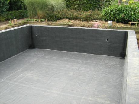 Comment trouver une fuite dans un étang et la réparer?